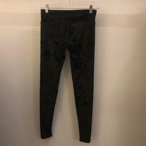Onzie Pants - Onzie black velvet full length legging sz xs 70785